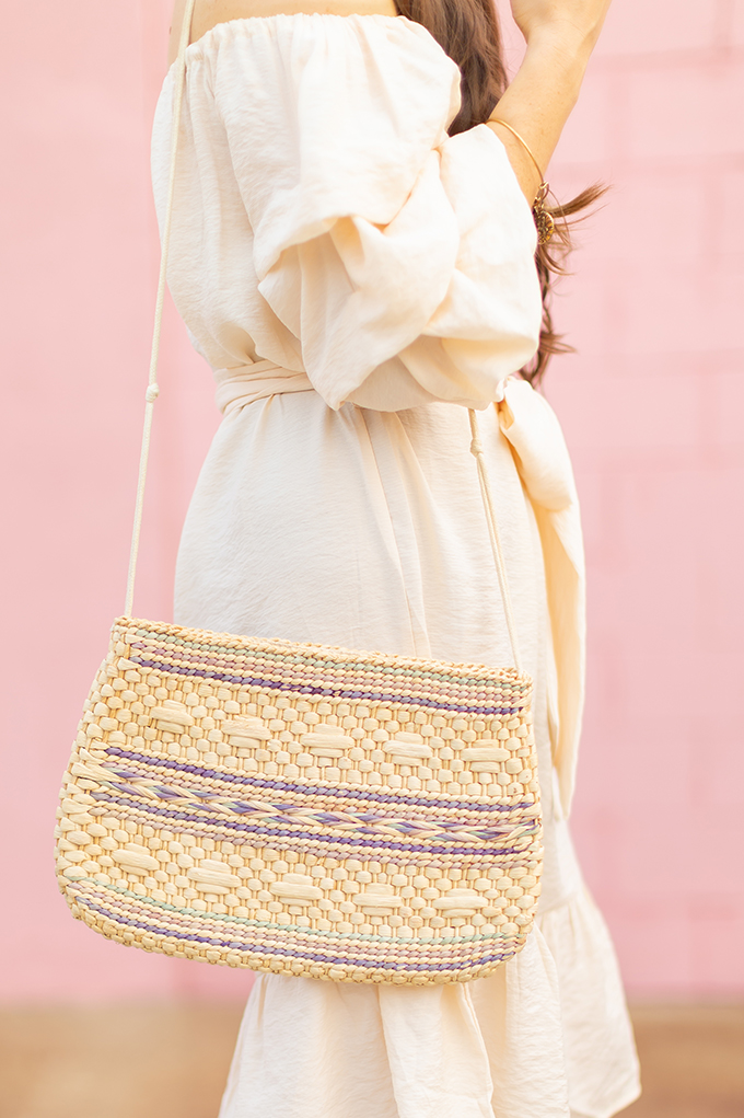 The Accessory Edit | Natural Material Bags | Vintage Straw Tote with Aztec Pattern | How to Style Vintage Straw Bags | The Best Straw Bags 2018 // JustineCelina.com