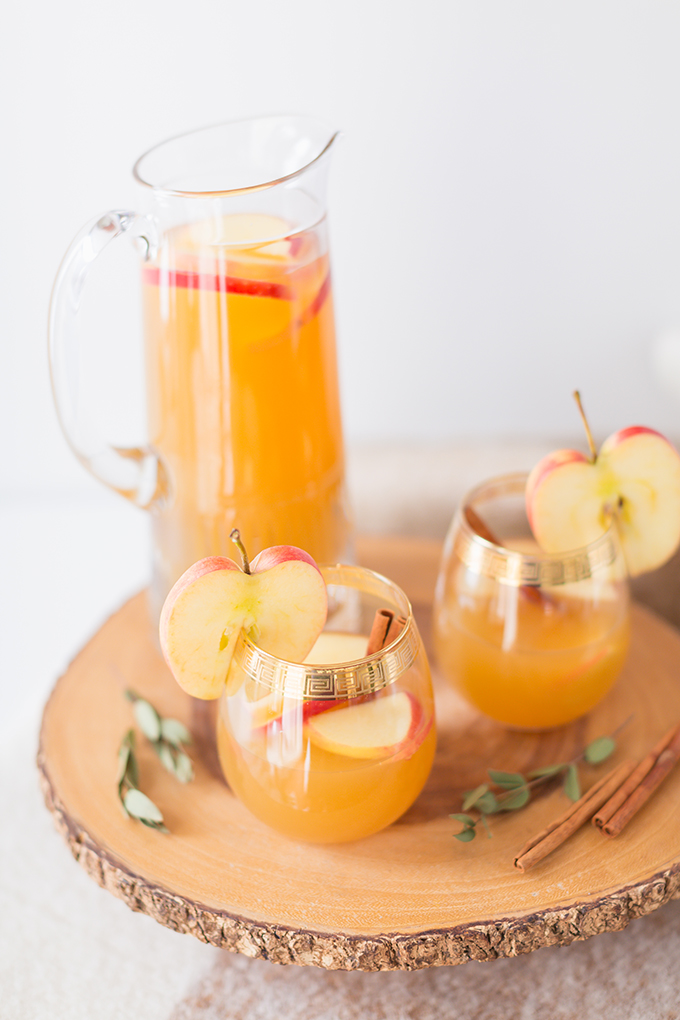 Late Harvest Spiced Apple Sangria | Featuring Eau Claire Distillery's Apple Brandy | The Best Thanksgiving Sangria Recipe | The Best Apple Sangria Recipes | The Best Fall Sangria Recipe | No Added Sugar Sangria // JustineCelina.com