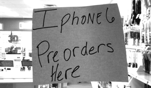 iPhone 6 preorder sign