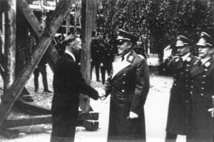 General Kesselring dem 1000jährigen Reich verbunden. Und Richter Kesselring schweigt!