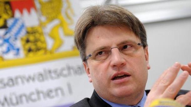 """Auf Pressekonferenz des Bayerischen Justizminister wird gelogen was das Zeug hält. Die """"Leitmedien"""" interessiert das nicht weiter."""