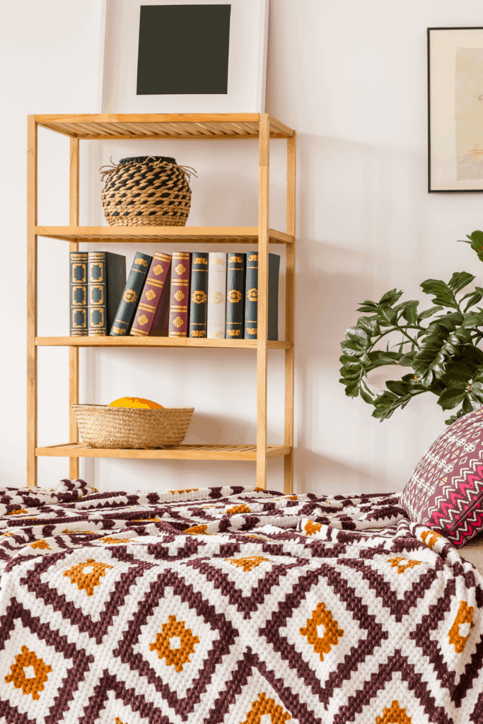 How to Create the Boho Bedroom of Your Dreams - Vintage Books - justjeslyn.com