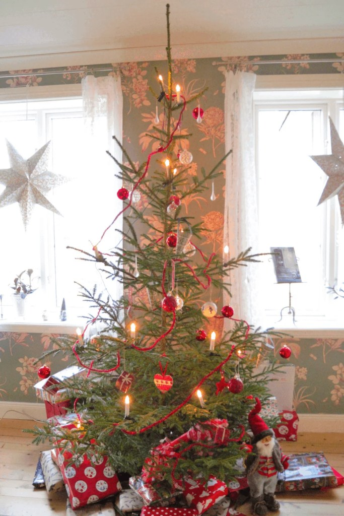 12 Gorgeous Christmas Tree Ideas For 2020   Just Jes Lyn