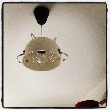 https://justkeepsewing.net/2013/03/25/colander-turned-ceiling-light/