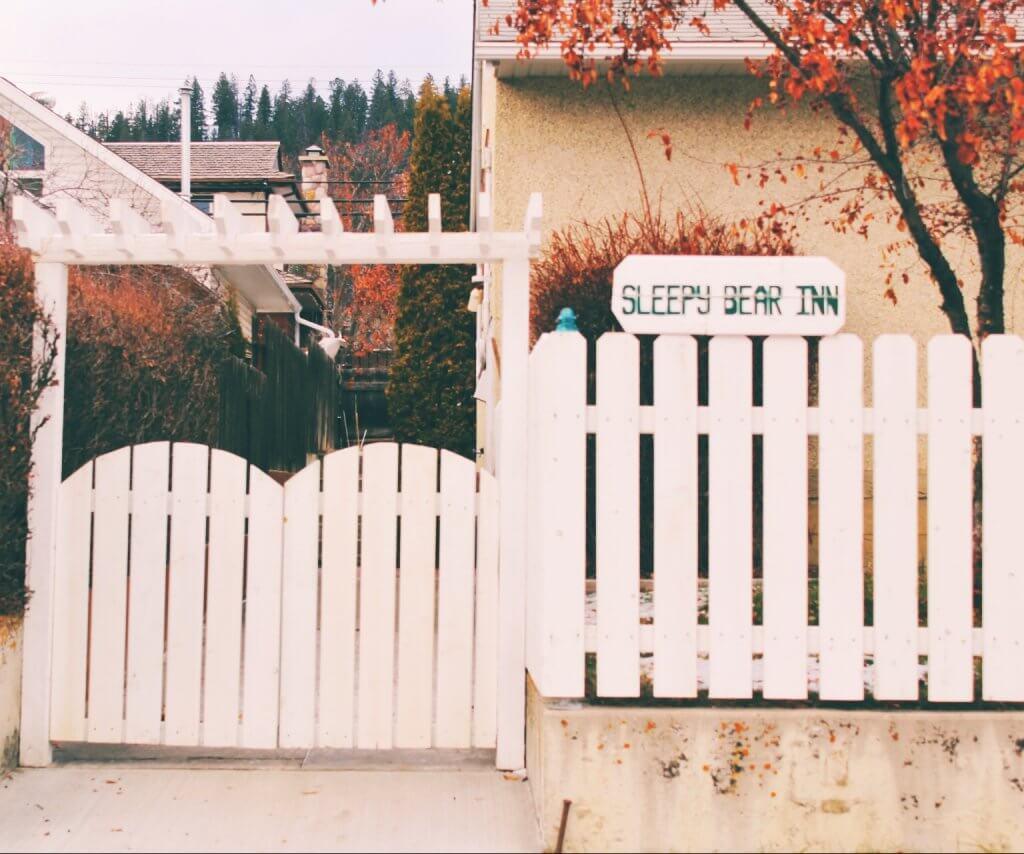 Where to Stay in Jasper: The Sleepy Bear Inn