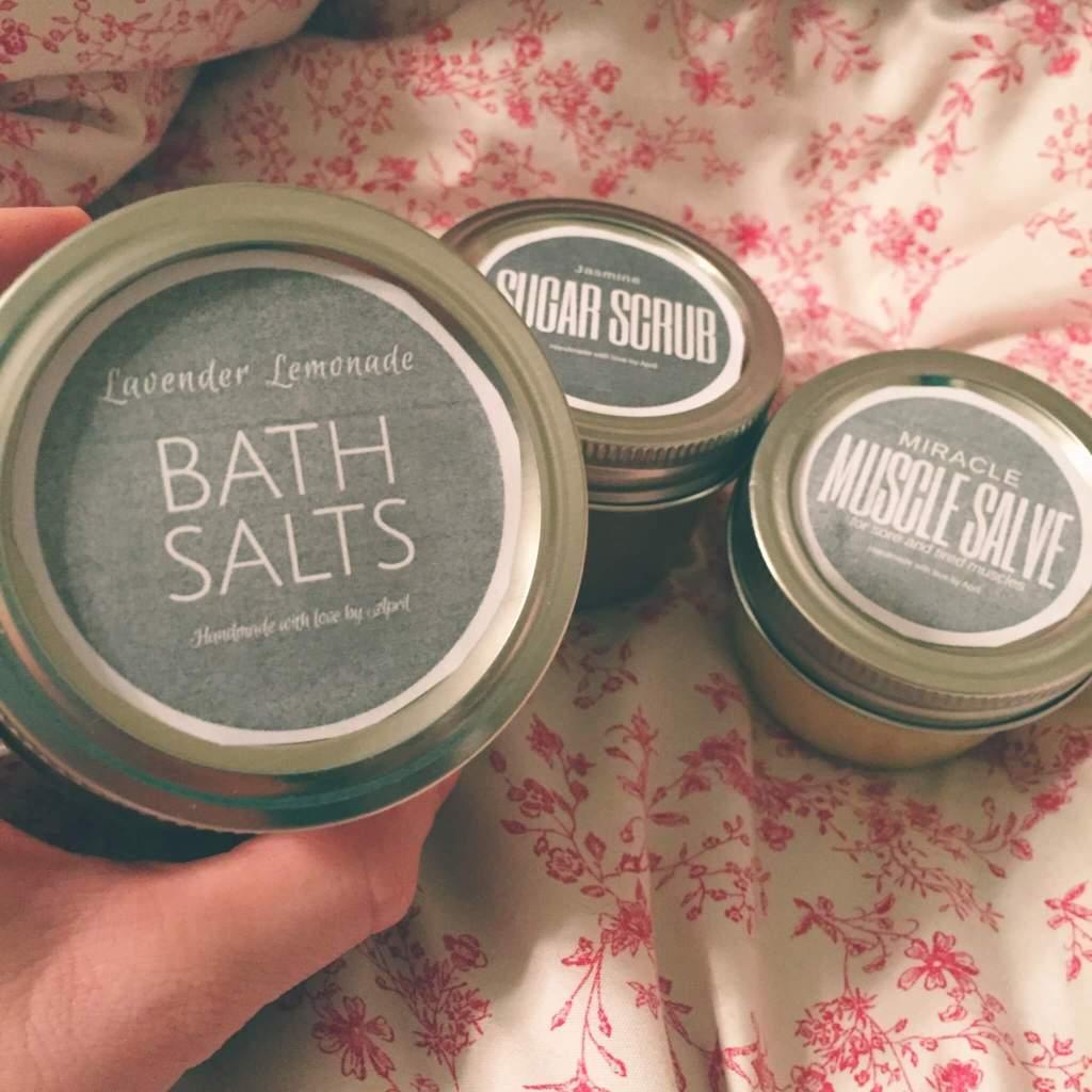 Bath Salts Label on a Jar | DIY Bath Salts | 14 Zero Waste Essentials: Toiletries to DIY