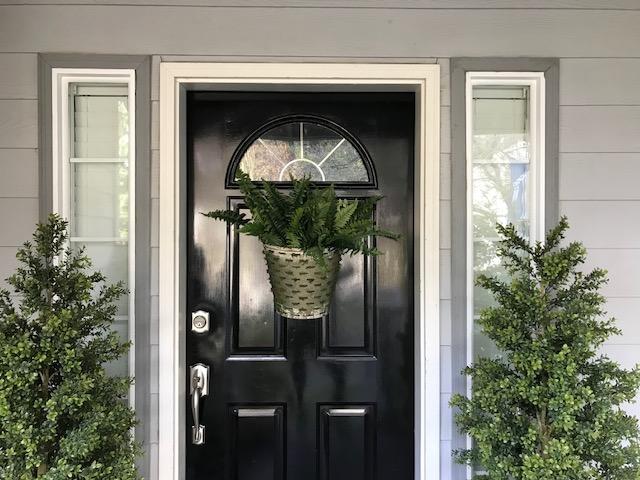 spring front door decor