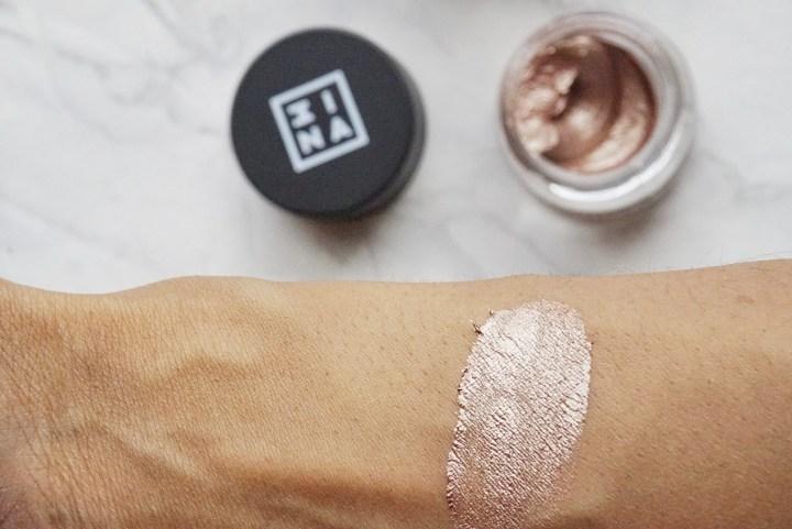 swatch 3INA Makeup Cream Eyeshadow on brown skin