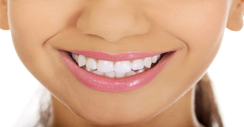 7 Easy Ways to Improve Your Dental Health That Don't Include Brushing and Flossing