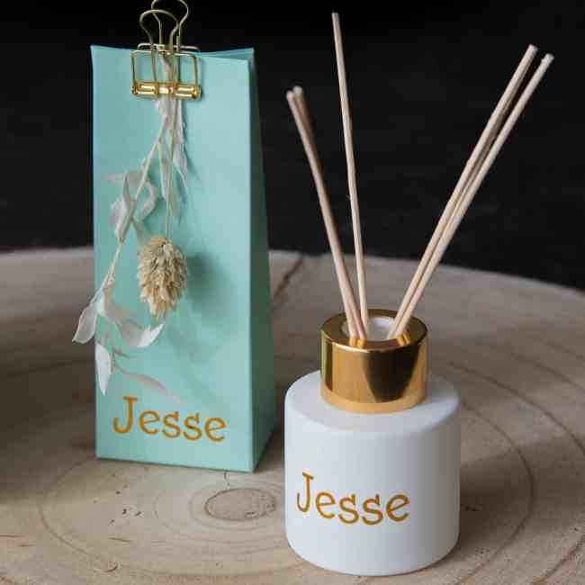 Bedankje: suikerbonen en parfumflesje Jesse