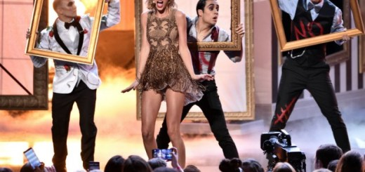 Taylor Swift Dick Clark Award