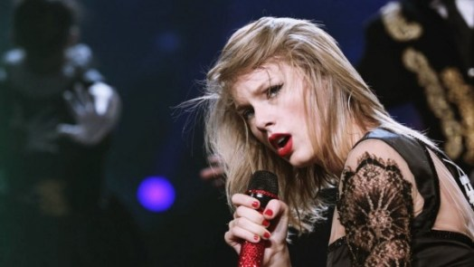 Taylor Swift dance to Shake It Off Flute version