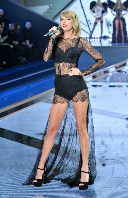Taylor Swift Black lingerie