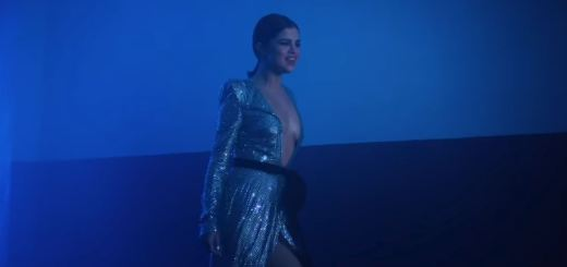 selena gomez wolves video sexy hot