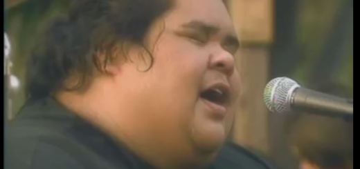 Israel Kamakawiwoʻole IZ somewhere over the rainbow review