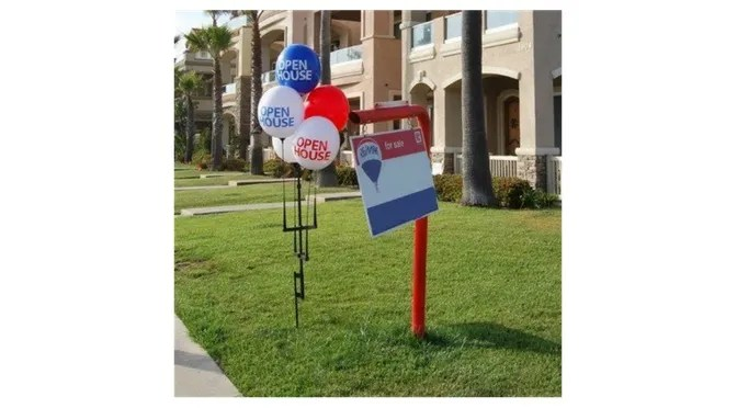 Open House Balloons and Signs