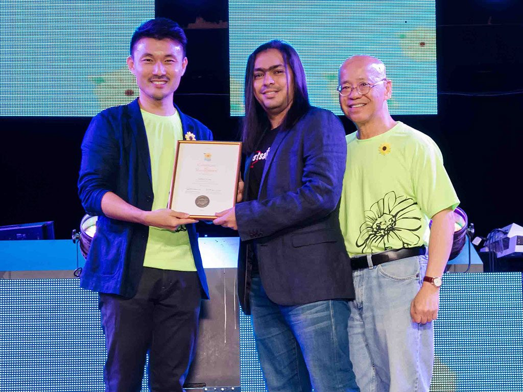 From left: Mr Baey Yam Keng, MP Tampines GRC, Zed B.W., Founder, Just Saying and Dr. William Wan, General Secretary, Singapore Kindness Movement