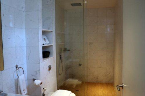 Hotel-Clover-North-Bridge-toilet