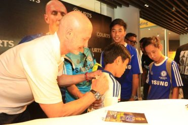 Courts x Frank Leboeuf - Meet & Greet Fans 25 Apr 2015 (1)