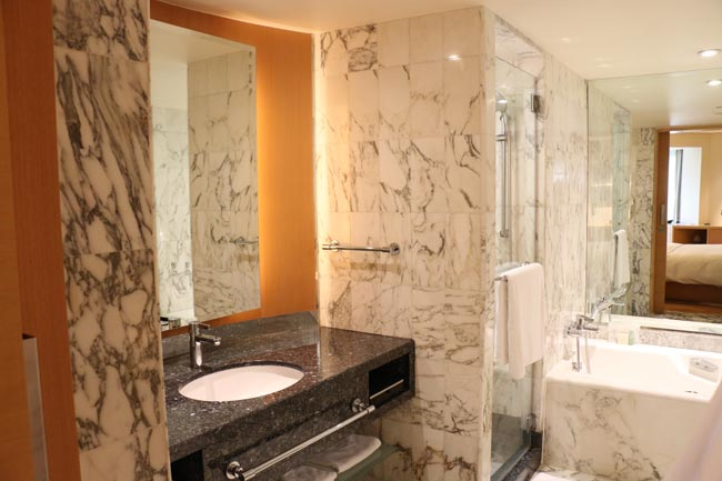 Grand-Hyatt-Singapore-Bathroom
