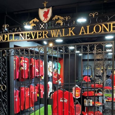 LFC-Singapore-Grand-Opening-shankly_gates