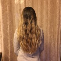 20 inches length, 3.5 inches thickness, blonde hair