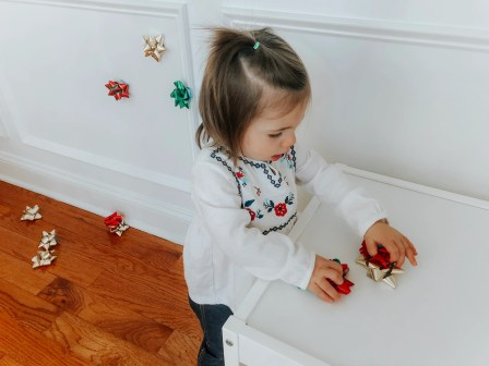 toddler bow wall stick