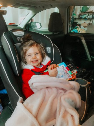 It can be tough to entertain your child in the car especially when they are tired and cranky. Follow these tips on a long road trip or just day to day car travel to keep them happy. and content during the drive.