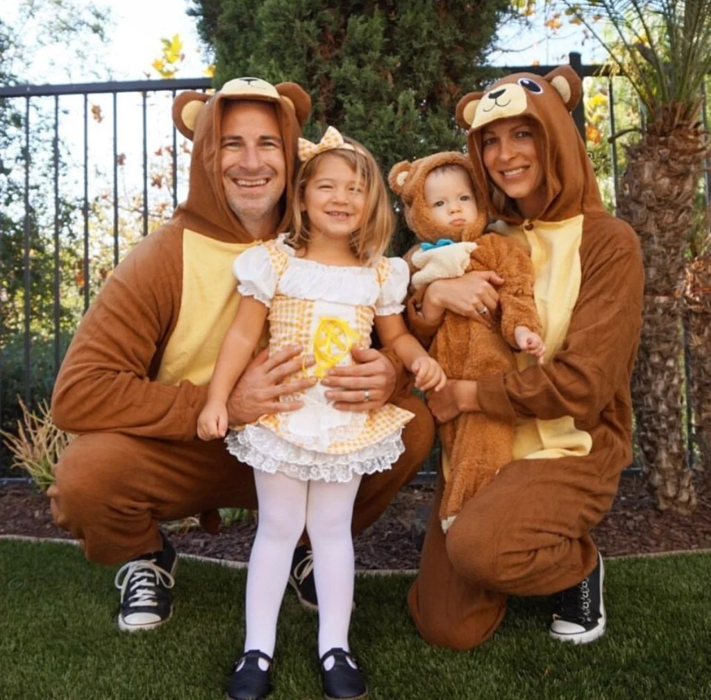 Ideas for matching family halloween costumes. You'll find great inspiration here for babies, toddlers, kids, mom & dad to love these fun, unique costumes.