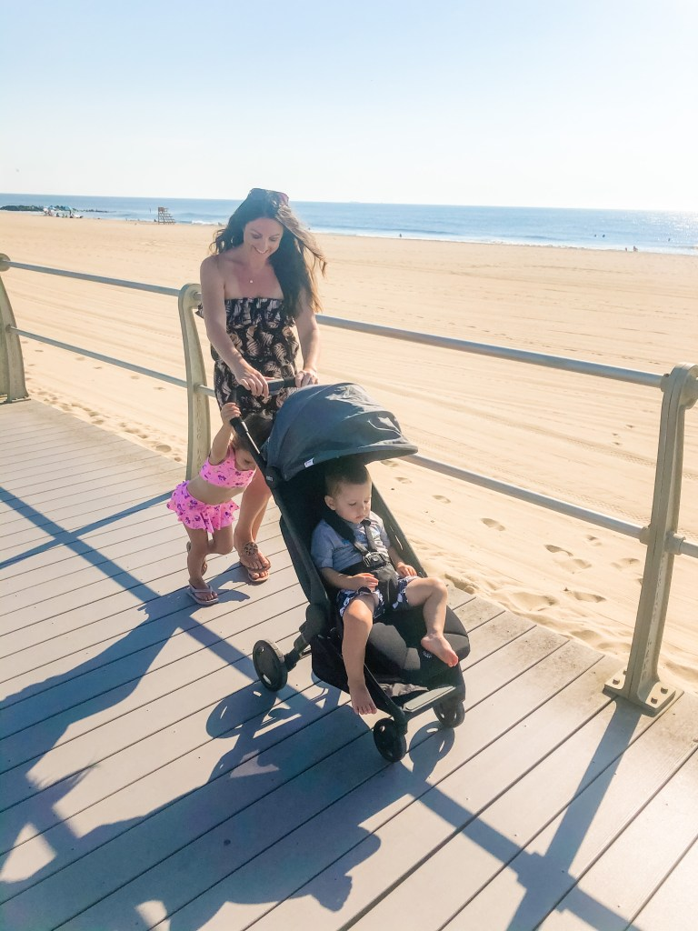 Make day trips with toddlers easier with the Ergobaby Metro Compact City Stroller. It's a lightweight and compact (not to mention comfortable) solution for getting around. This is the best stroller for durability, convenience, and ease of use!
