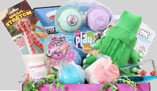 Subscription boxes make some of the BEST presents for kids, as they are the gift that just keeps on giving. Plus rather than opening one surprise, your child can get several months of surprises sent right to your door. Thes subscription boxes and kits are perfect for babies, toddlers, and preschoolers.