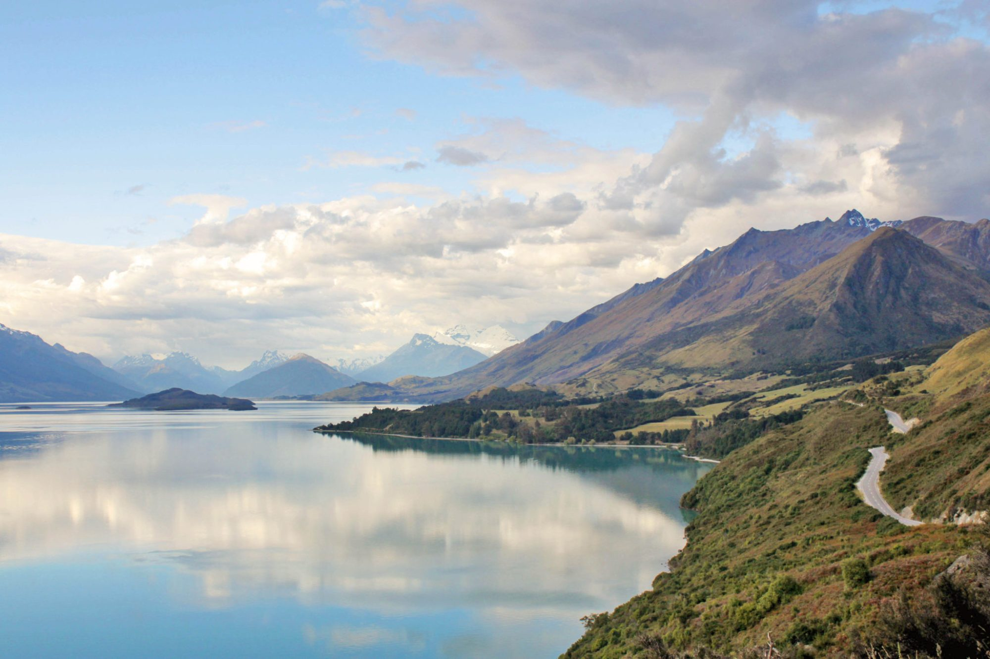 The drive to Glenorchy is one of the most beautiful drives in New Zealand 8 Unforgettable things to do in Queenstown New Zealand   Glenorchy #glenorchy #newzealand #queenstown #simplywander