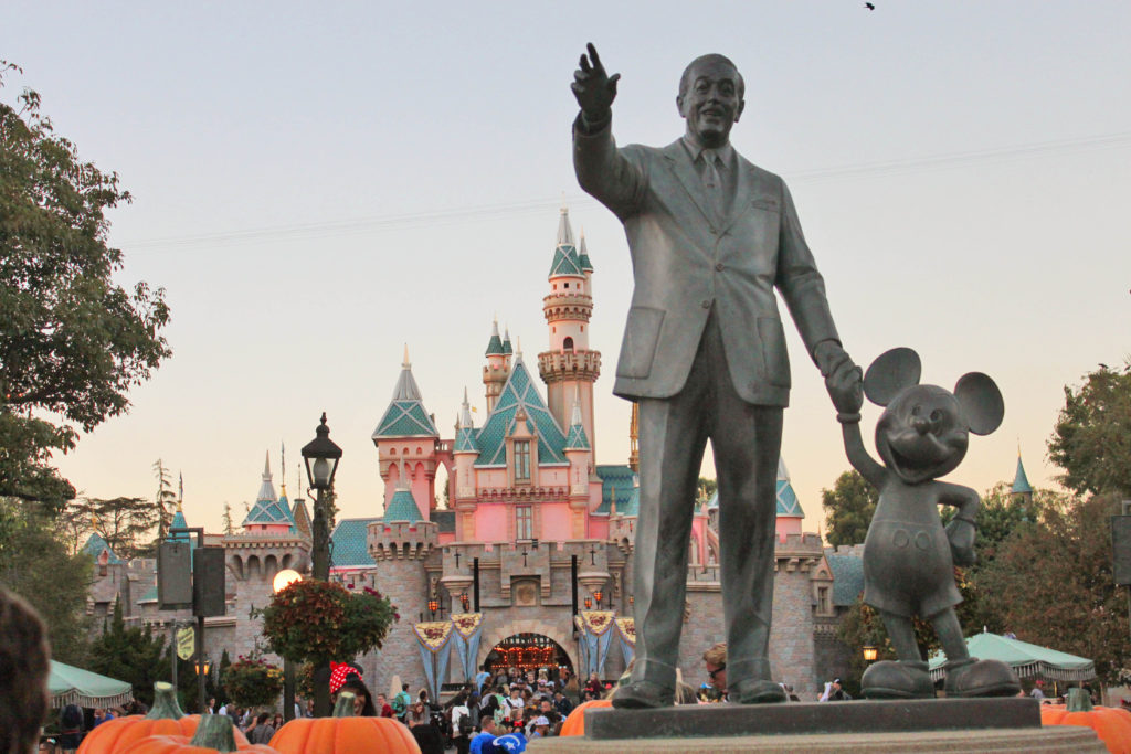 13 13 Tips And Tricks For Visiting Disneyland Simply Wander