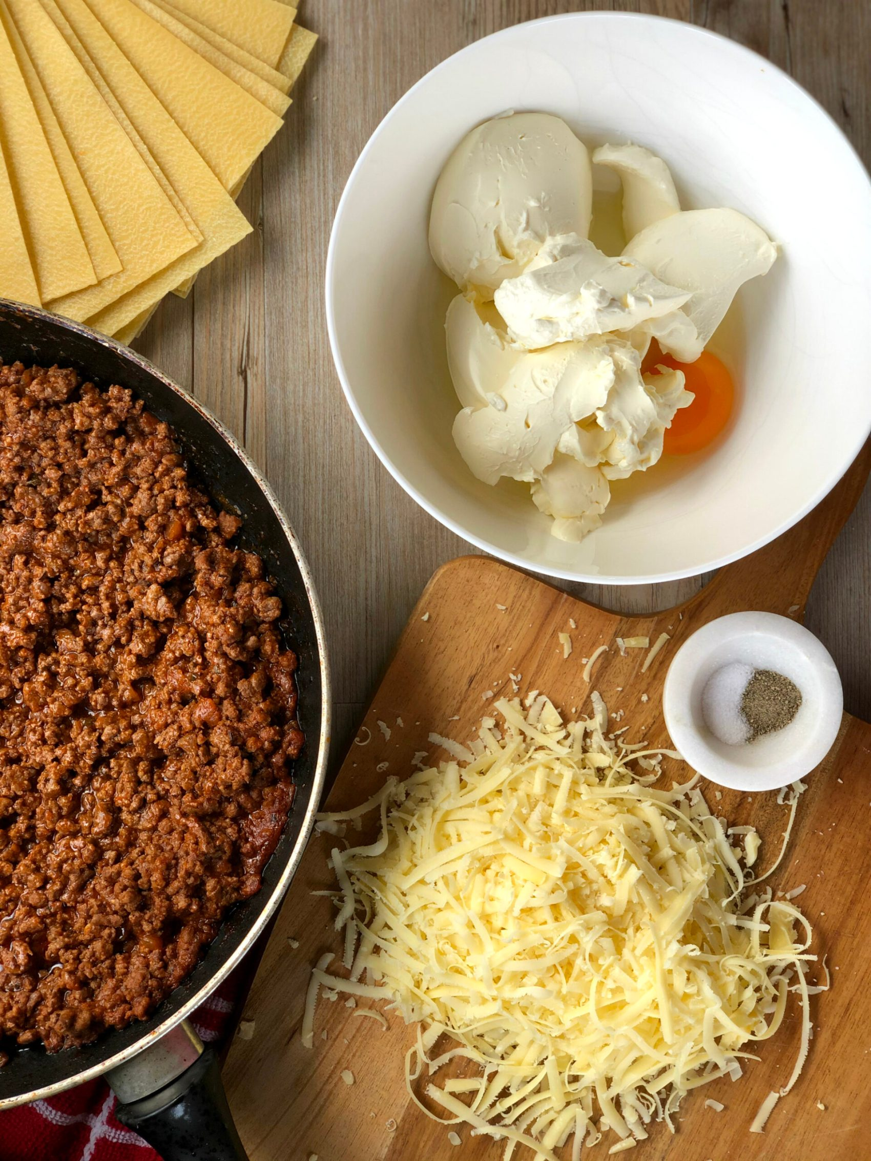 Ingredients for Slow Cooker Lasagne, Cream Cheese Pasta Sheets