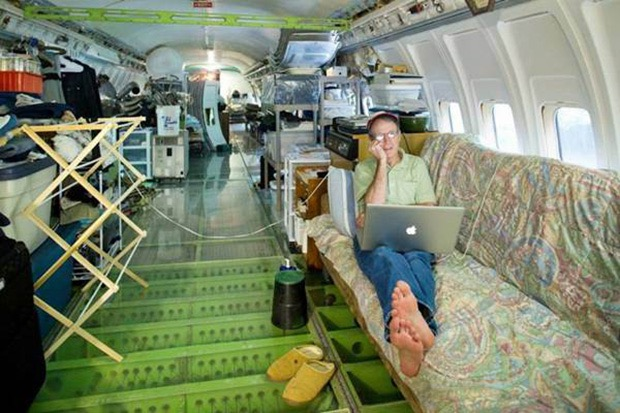airplane-home-4
