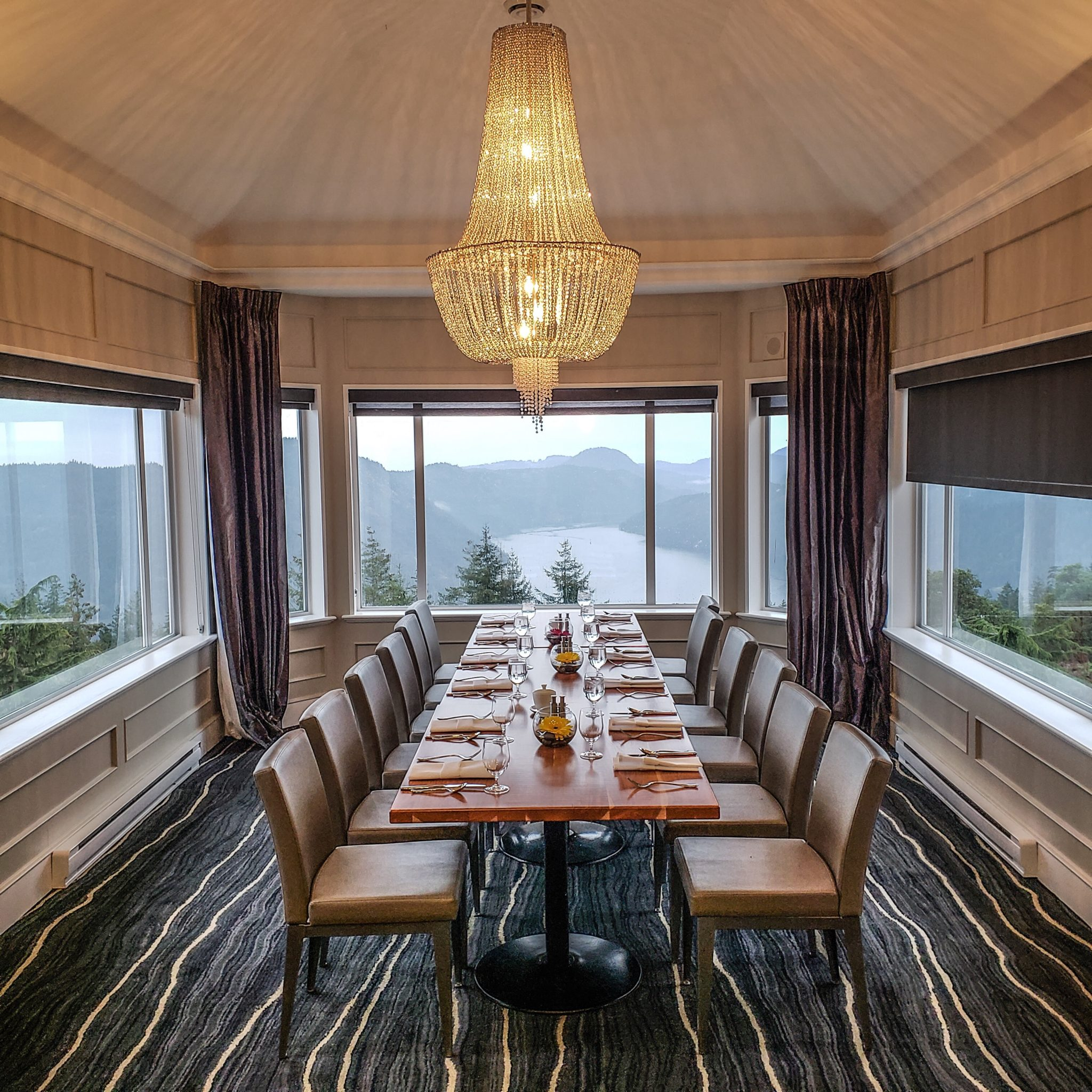 Alpina Restaurant - BC - Canada - Vancouver Island - Villa Eyrie - Cowichan Tourism - British Columbia