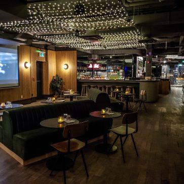 Annex Hotel - The Annex Toronto - Boutique Hotel - Big Trouble Pizza - Interior