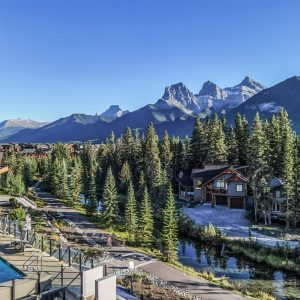 Hotel Malcolm Canmore Alberta - Canadian Rockies - Room View