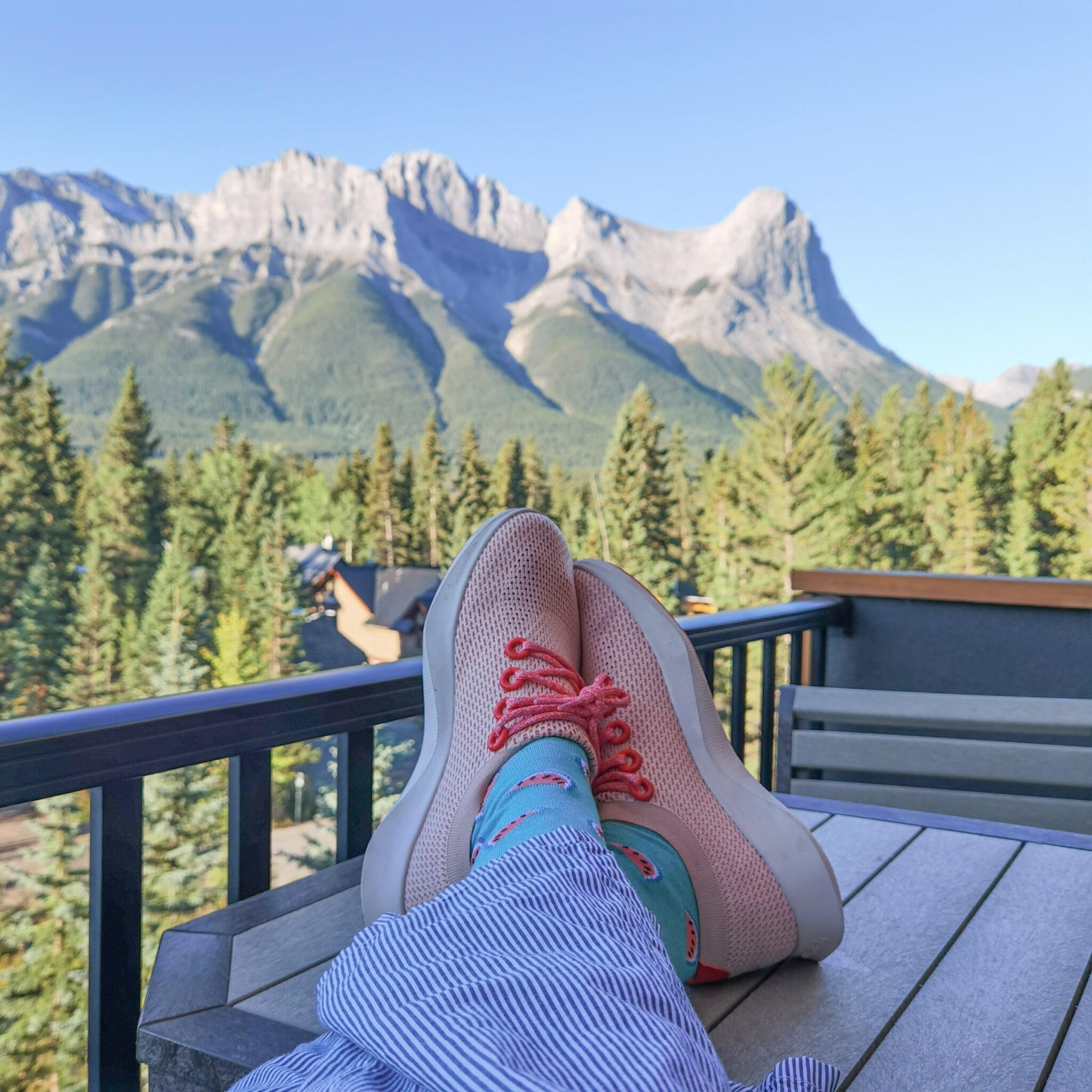 Hotel Malcolm Canmore Alberta - Canadian Rockies - Allbirds