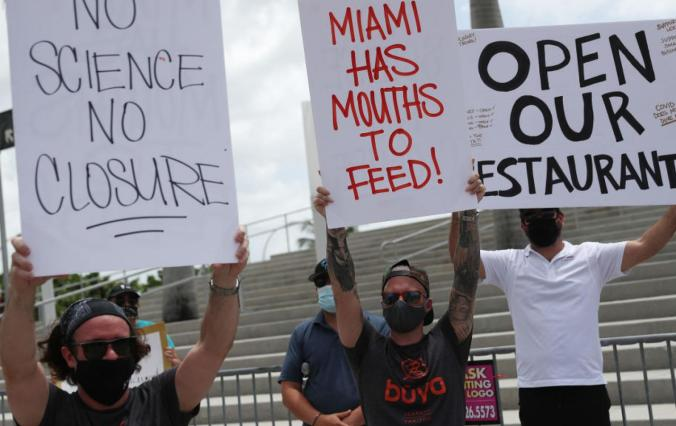 Miami restaurant owners protest the city's order closing dining rooms, 7/10