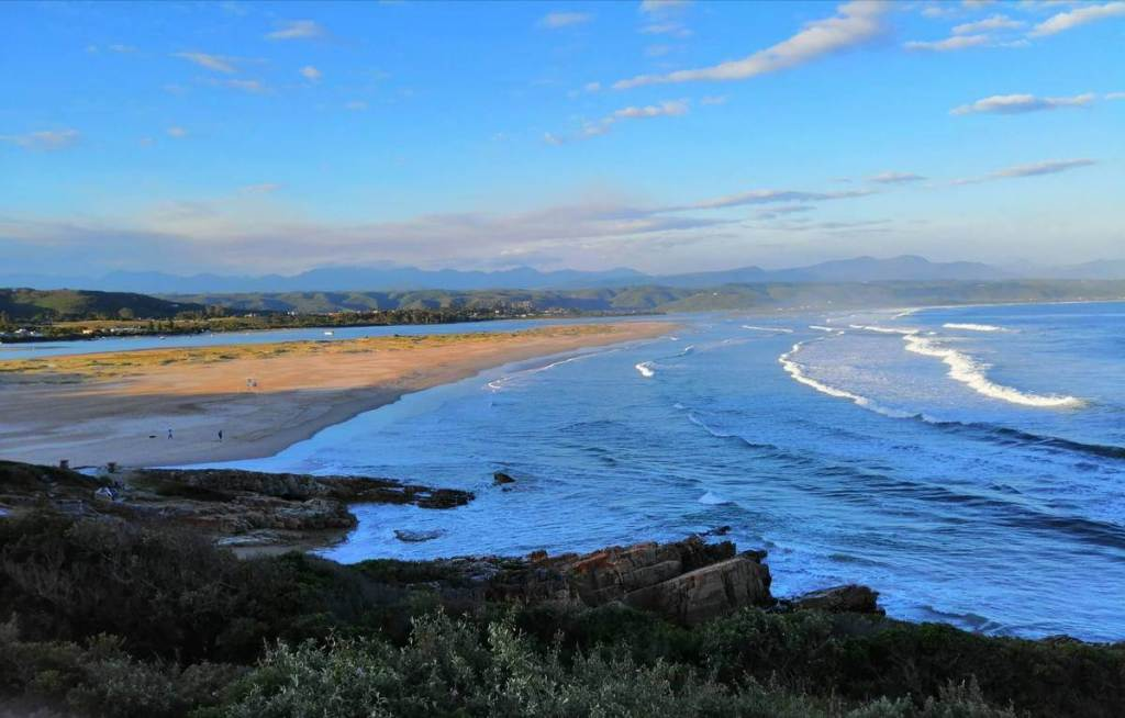Wide sandy beaches of Plettenberg Bay