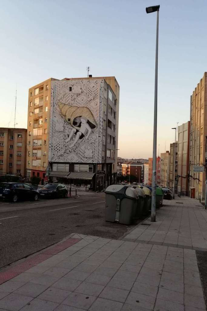 Street art on Calle La Universidad, Santander