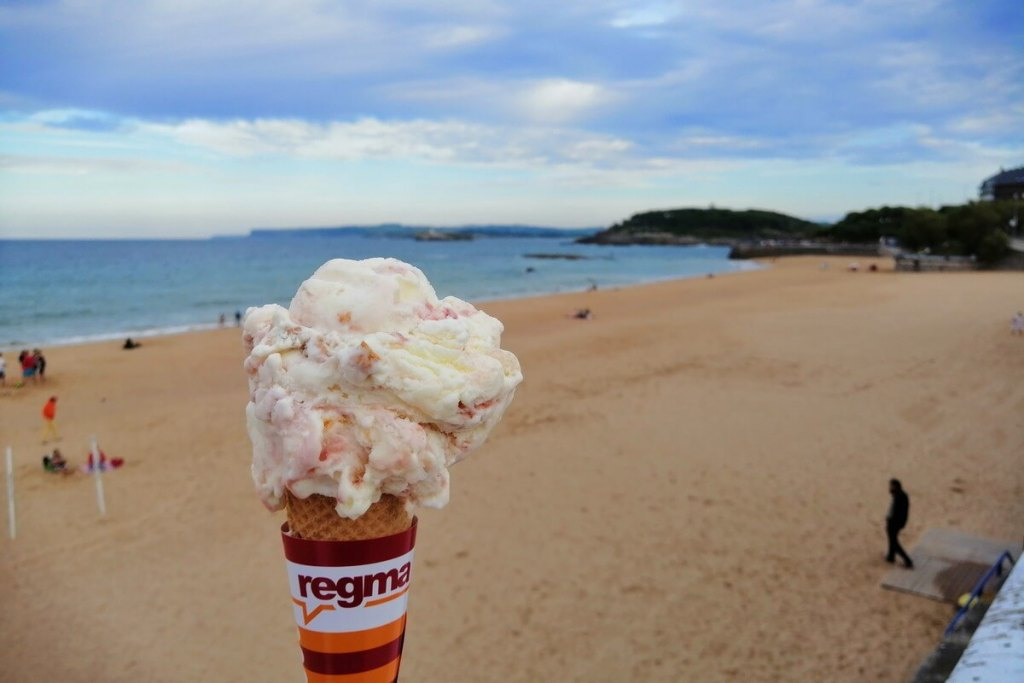 Regma ice cream at Sardinero Beach in Santander