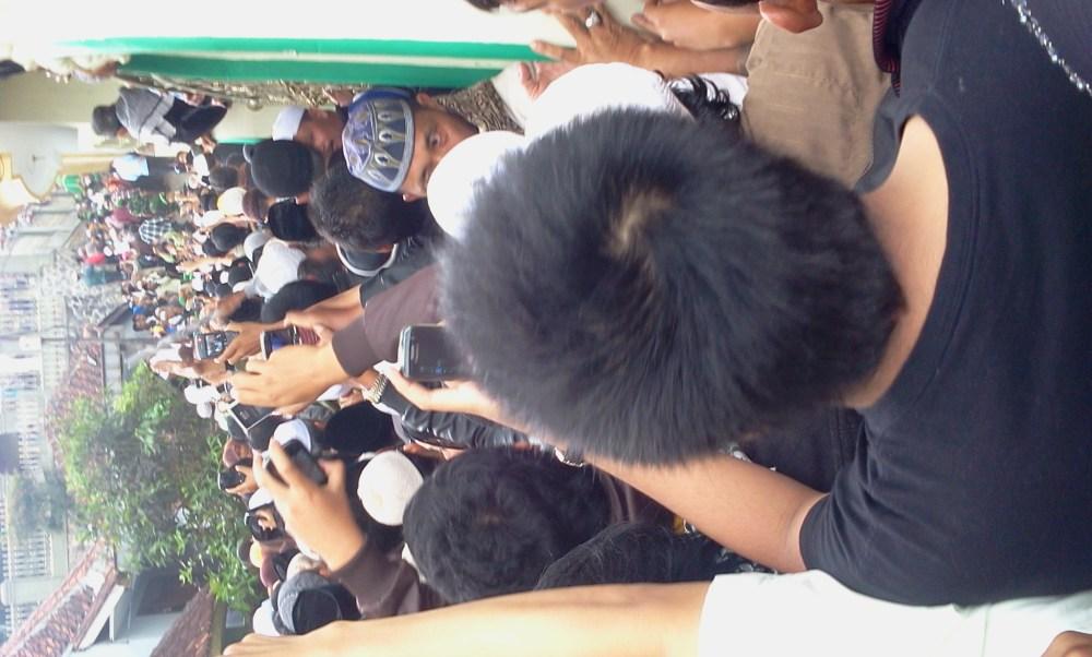 Momen Terakhir Menjelang Abah Dimakamkan (pic+vid) (5/6)