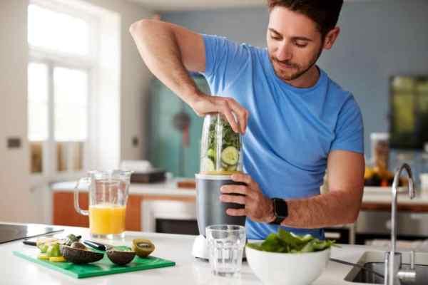 Man making smoothie