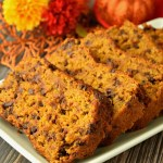 This gluten free, vegan, and refined sugar free Pumpkin Bread is AMAZING! It's so moist and delicious making it an awesome Fall time treat! #glutenfree #dairyfree #vegan #recipes #fall #pumpkin
