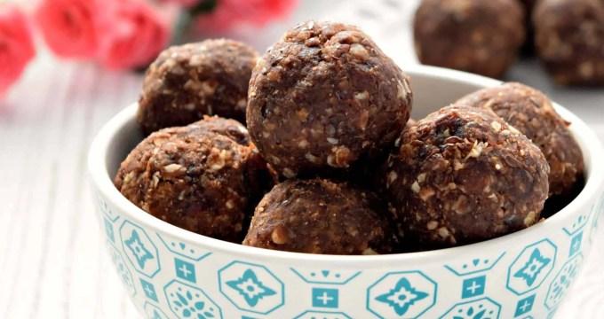 Chocolate Peanut Butter Energy Bites – Gluten Free, Vegan, and Refined Sugar Free