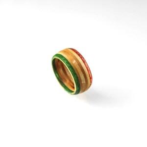 elbbrett-recycling-ring-aus-skateboard-jutedeerns-hamburg-08