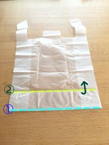 スーパーの袋をコンパクトにたたむ方法②