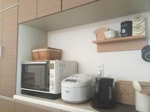 食器棚 炊飯器 電子レンジ